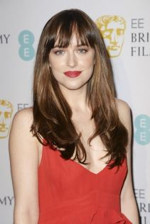 elle-bangs-rdakota-johnson