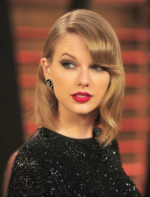 Taylor-Swift-bangs-hairstyles-2017