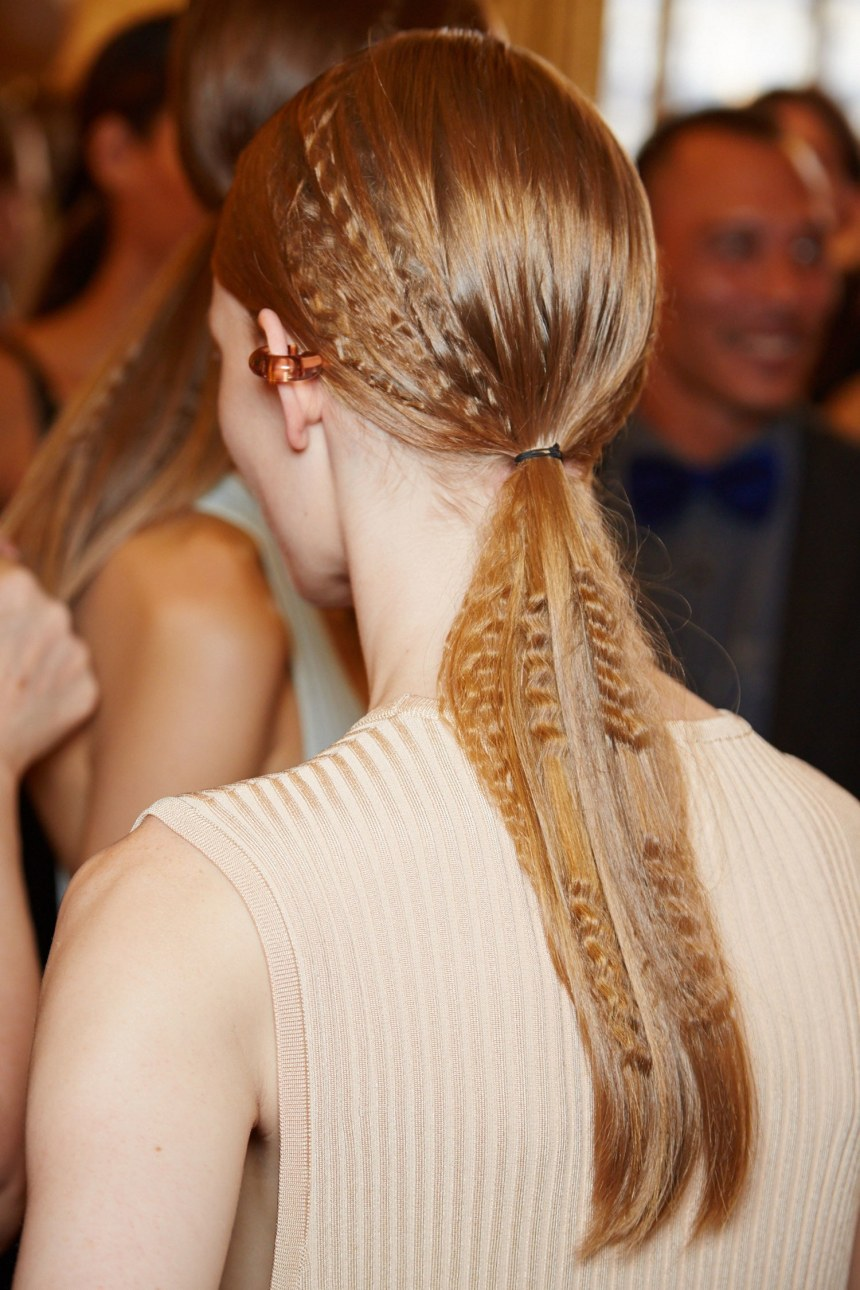 beauty-2014-09-stella-mccartney-pfw-ss15-crimped-hair-main